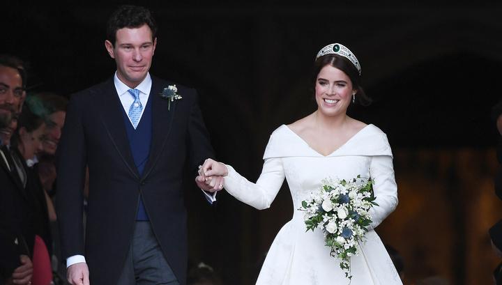 Внучка Елизаветы II вышла замуж за бывшего официанта в русском кокошнике