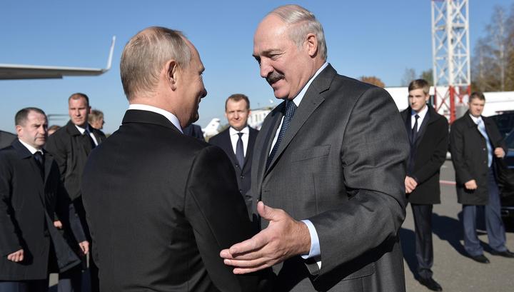 Лукашенко прокатил Путина на раритетном внедорожнике и накормил драниками