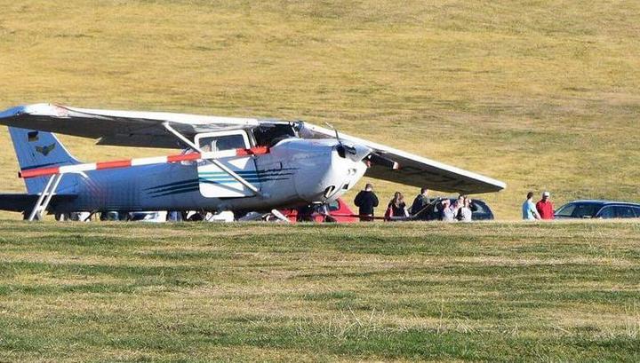 Самолет влетел в толпу при посадке в Германии