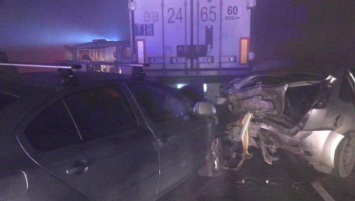 В массовой аварии под Тверью пострадали четверо детей