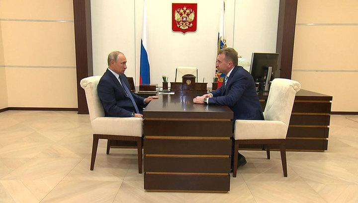 Путин и Шувалов обсудили финансовую модель работы ВЭБа