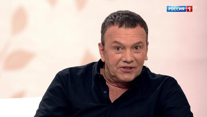 Александр Наумов признался, что предал фамилию отца