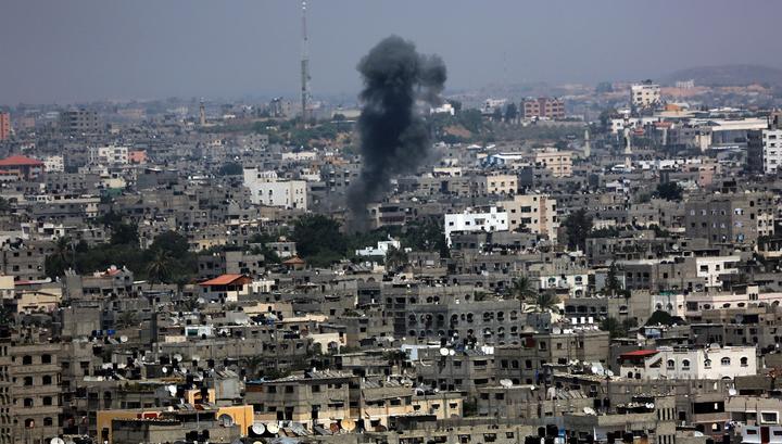 Авиация Израиля бомбит сектор Газа в ответ на ракетный обстрел