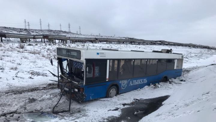 Погибшая и 10 пострадавших: автобус с работниками норильского аэропорта попал в ДТП
