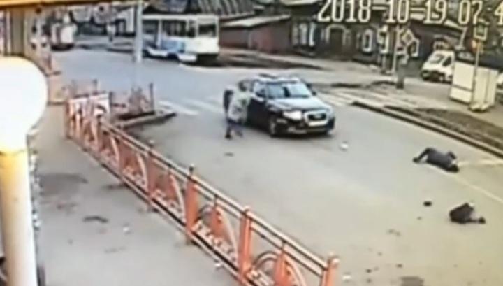 Камера запечатлела момент наезда на женщину с ребенком в Иркутске