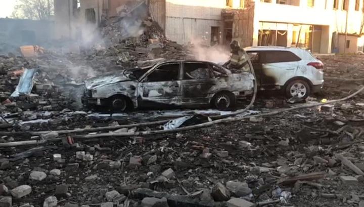 На месте взрыва на заводе в Гатчине продолжаются поисково-спасательные работы