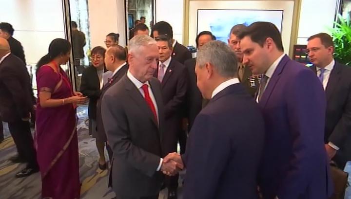 Министр обороны России Шойгу впервые встретился с главой Пентагона Мэттисом