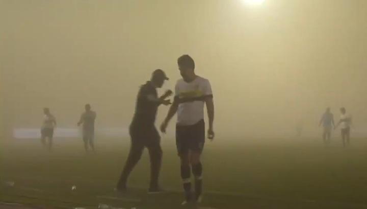 Сильная песчаная буря остановила футбольный матч в Саудовской Аравии. Видео
