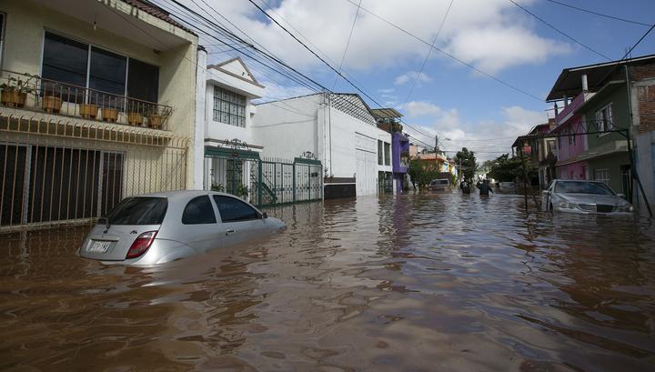 В Мексике вводится режим ЧП в связи с ураганом