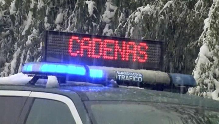 Ранняя зима: в Испании выпал снег, Италия тонет под ливнями
