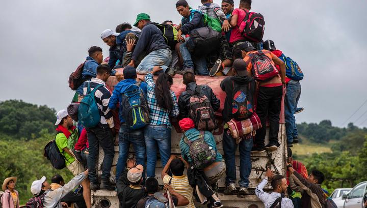 Ситуация с мигрантами на границе Мексики и США привела к гуманитарному кризису