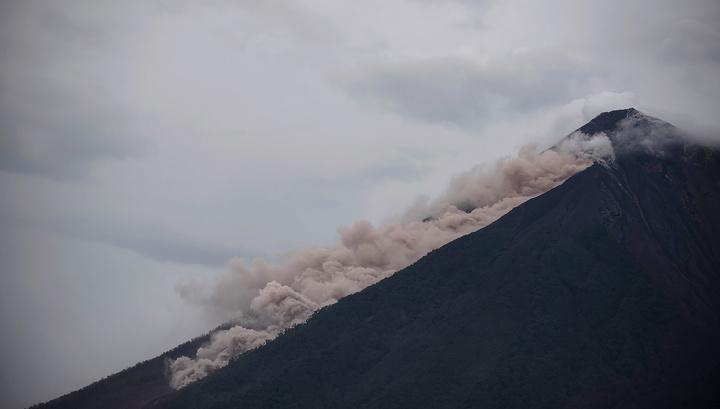 Вулкан в Гватемале вновь разбушевался