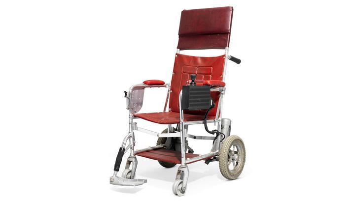 Кресло Стивена Хокинга ушло с молотка