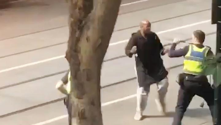 В результате нападения в Мельбурне погиб один человек