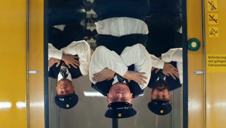 Сотрудники берлинского метро выпустили клип с рэп-кавером на Синатру
