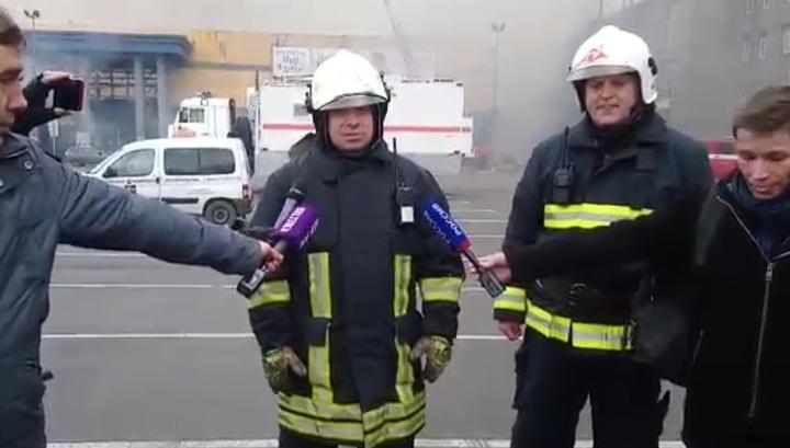 Огонь локализован, пострадавших нет: представитель МЧС рассказал о пожаре в Петербурге