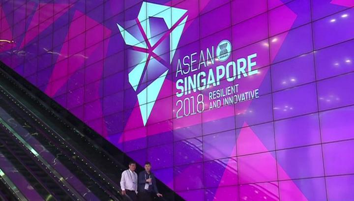 Владимир Путин впервые совершает визит в Сингапур