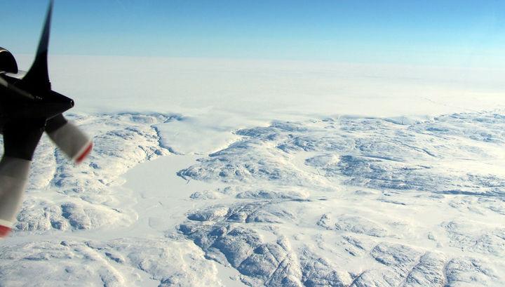 Километровая толща льда скрывала след грандиозного катаклизма.