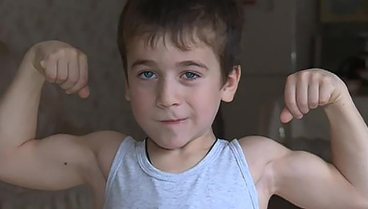 Пятилетний Рахим из Чечни готов побить свой рекорд и отжаться пять тысяч раз