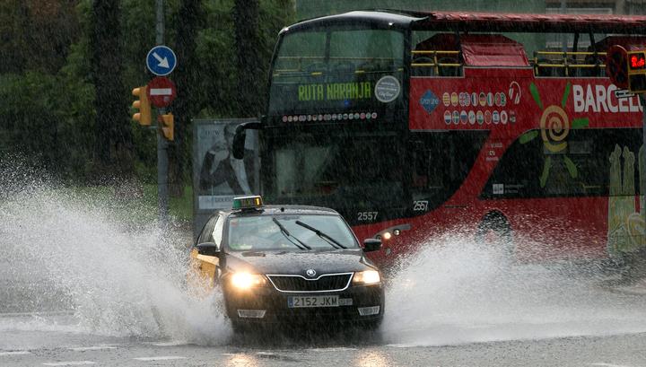 Испанию заливают проливные дожди