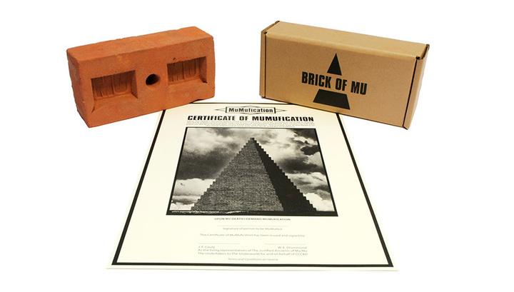 Британские музыканты построят пирамиду с кирпичами из праха 34 тысяч человек