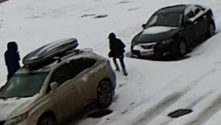 В Ростове школьник провалился в канализационный люк, скрытый под снегом. Видео