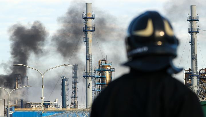 Пожар на московском НПЗ: огненный столб был виден за несколько километров