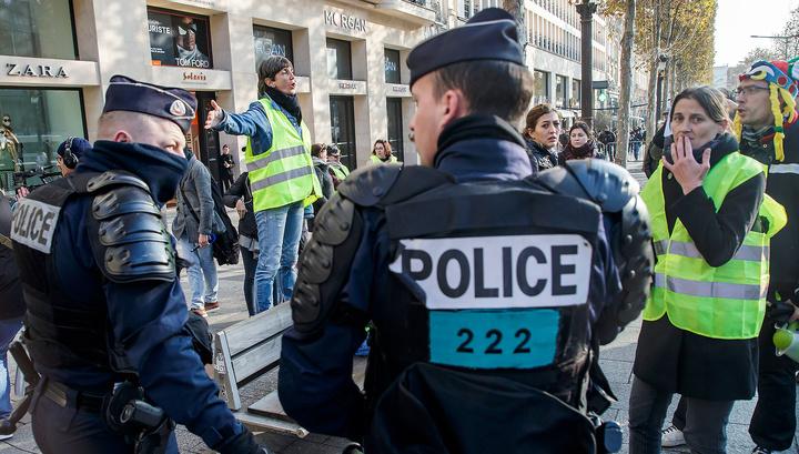 Французы устроили топливный протест: пострадали 47 человек
