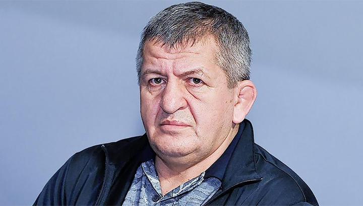 ММА. Отец Нурмагомедова выбирает соперников для Хабиба