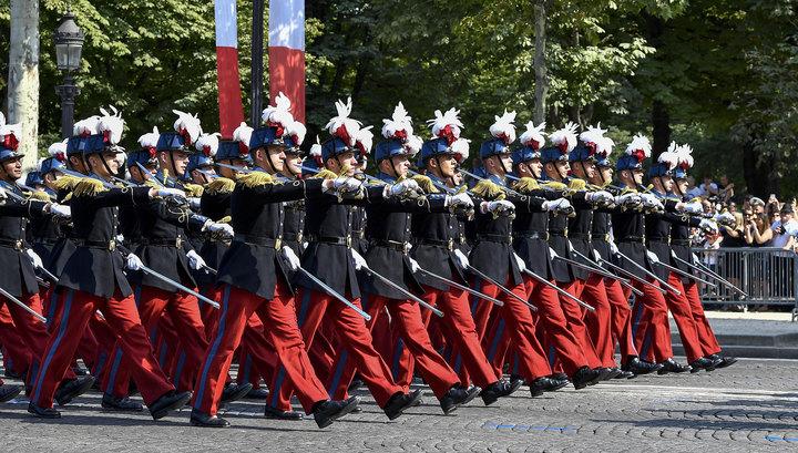 Единая армия ЕС: Ле Пен считает, что Макрон предает Францию