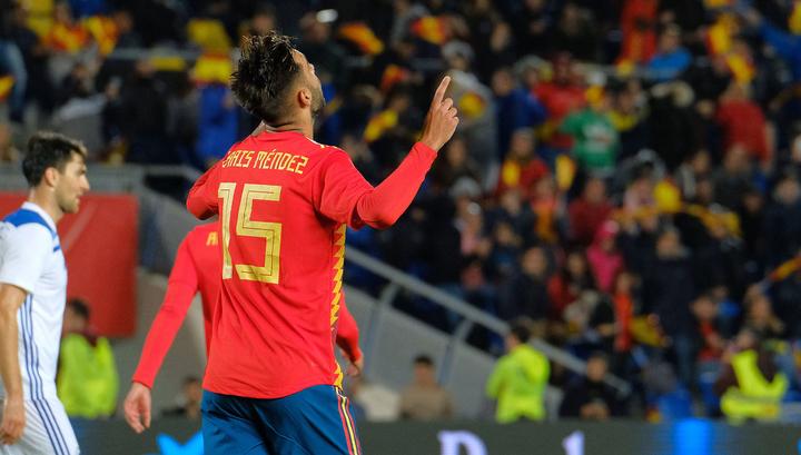 Испания обыграла Боснию благодаря голу дебютанта Мендеса