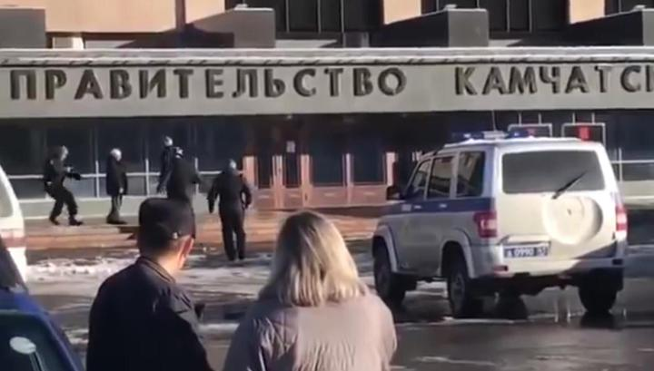 Пенсионер с обрезом попытался проникнуть в здание правительства Камчатки