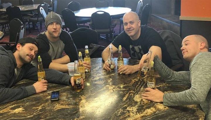 Канадские керлингисты сняты с турнира из-за пьяного дебоша