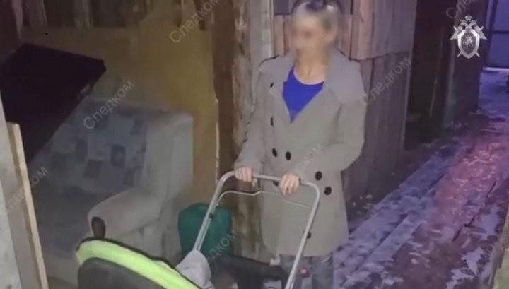В Кургане женщина с ребенком в коляске упала в припорошенный снегом открытый люк
