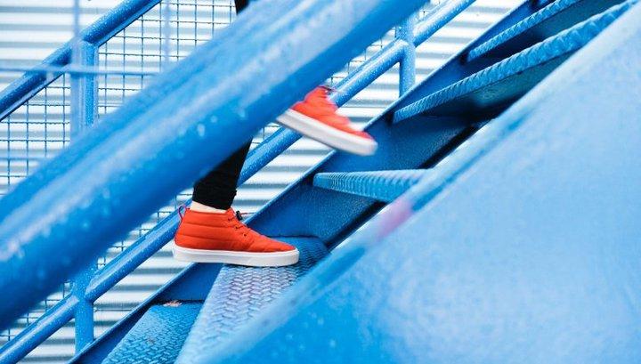 5 простых упражнений со степ-платформой