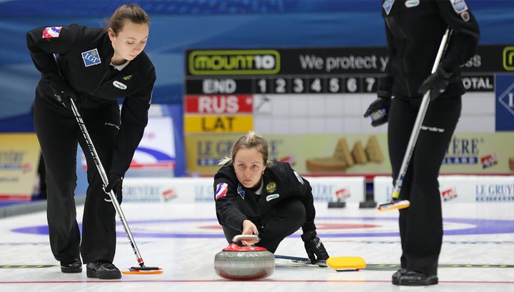 Женская сборная России досрочно вышла в полуфинал чемпионата Европы по керлингу