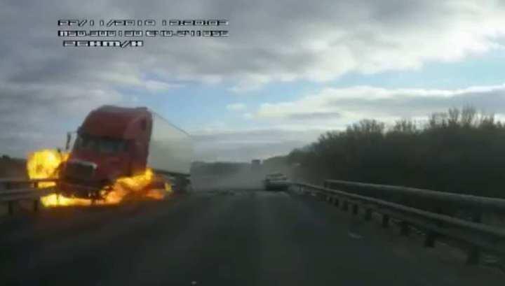 Оторвавшееся колесо спровоцировало огненное ДТП в Воронежской области
