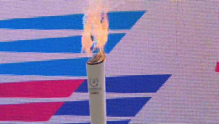 Огонь зимней Универсиады пронесли по улицам Владивостока