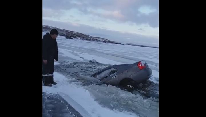 Нетрезвый водитель утопил машину на водохранилище в Башкирии. Видео