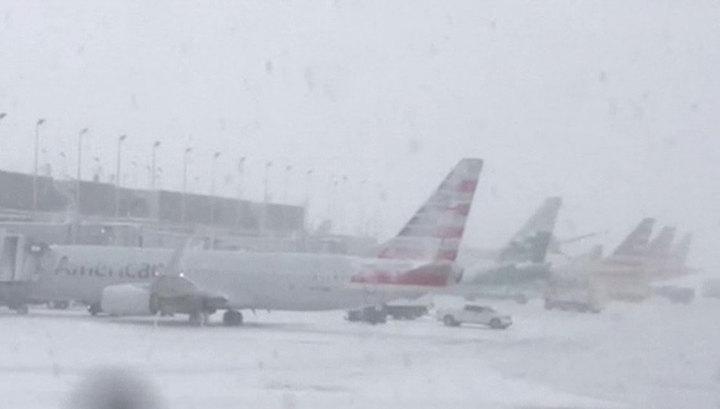 Снежные бури парализовали транспортную систему США