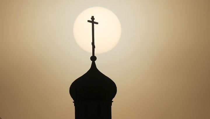 Петербург пошел дальше: северная столица запретила еще и ходить в церковь