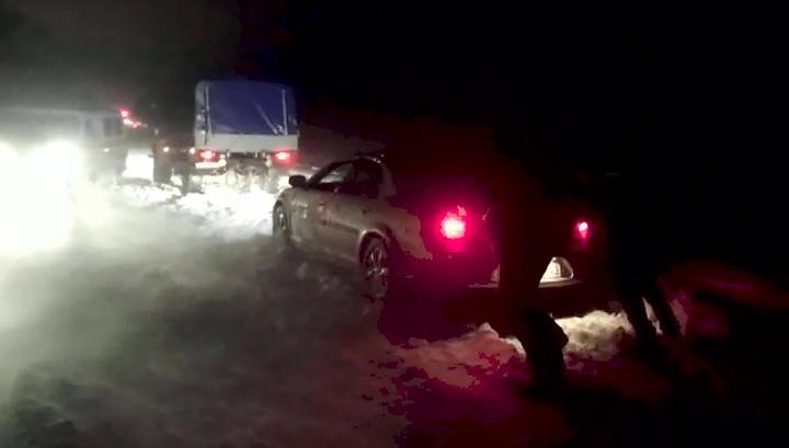На Кубани из-за непогоды заблокированы более 600 машин