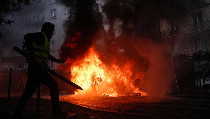 Протесты обошлись Франции в три миллиона евро