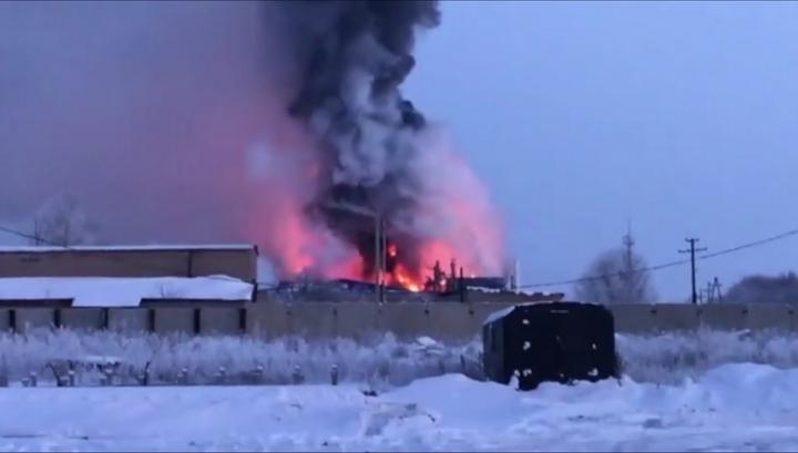 Под Оренбургом вспыхнул завод промышленного цинкования