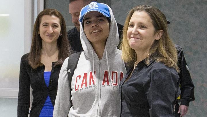 Глава МИД Канады встретила в аэропорту 18-летнюю саудовскую беглянку