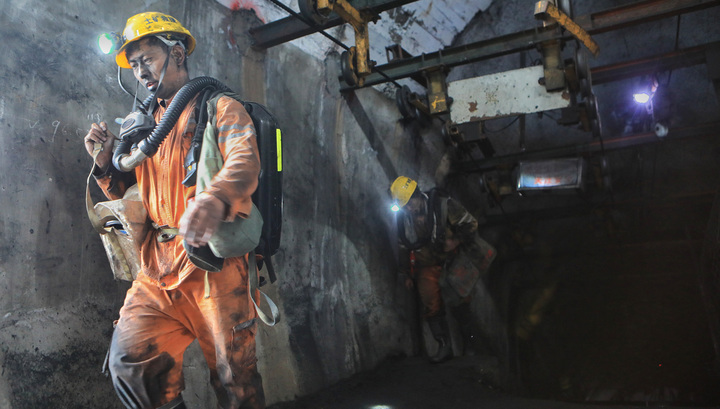 Обрушение шахты в Китае: не менее 19 погибших