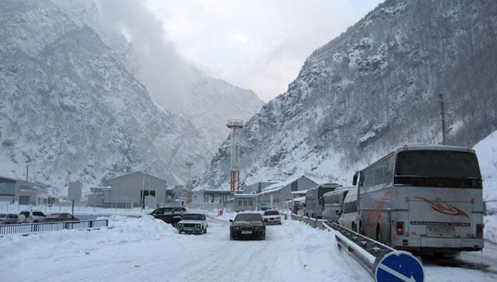 Военно-Грузинская дорога вновь закрыта для большегрузов
