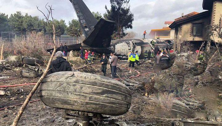 При крушении самолета под Тегераном выжил только один человек
