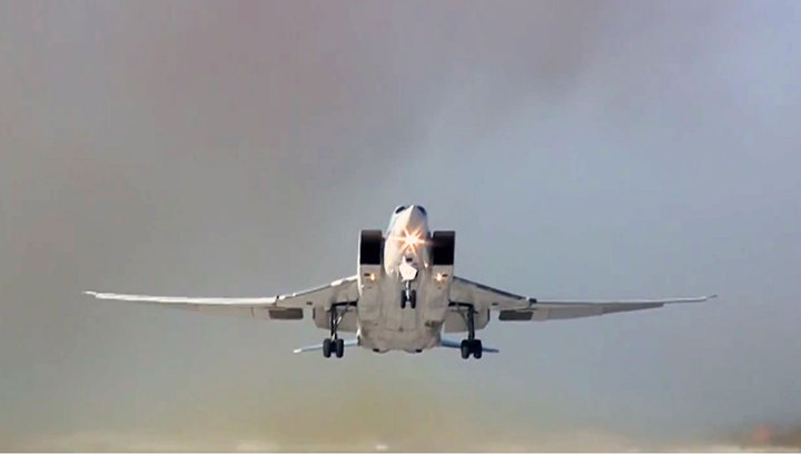 Пара российских бомбардировщиков пролетела свыше 4 тысяч километров