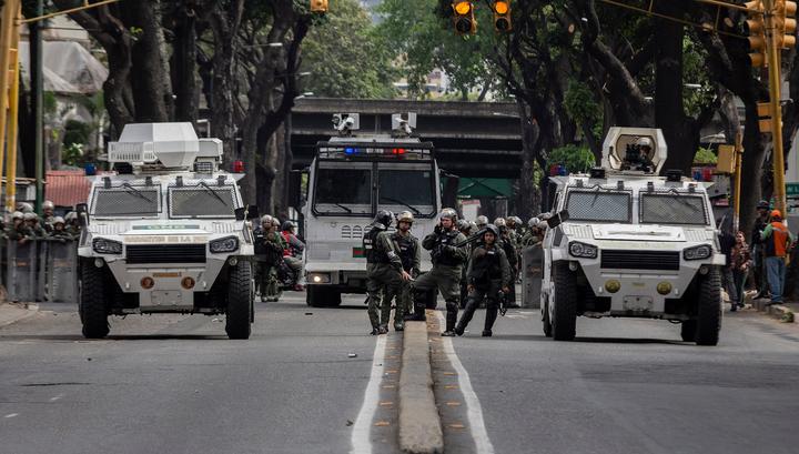 Армия Венесуэлы - на стороне Мадуро, Туск настраивает Европу против него